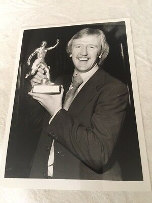 PRESS PHOTO 4/5 1978 Kenny Burns Nottingham Forest - Player of the year award