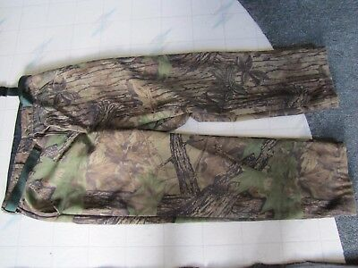 Mens size 36 Reg Cabela's Goretex insulated Realtree camouflage hunting pants L