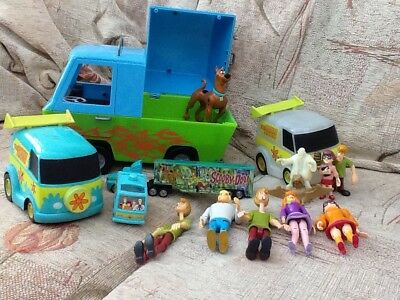 Scooby Doo Bundle Of Toys And Figures, Glow In The Dark, Mystery Machine, Micro