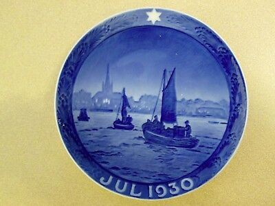 "Royal Copenhagen ""fishing Boats On The Way To The Harbor"" 1930 Christmas Plate"