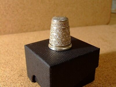 Vintage Silver Thimble Very Ornate Italian Marked 800