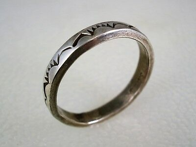 OLD NAVAJO STAMPED STERLING SILVER WEDDING BAND RING sz 9