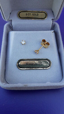 9ct YELLOW GOLD DIAMONITE(YAG) STUD EARRINGS, STAMPED 9ct.3mm GEMS
