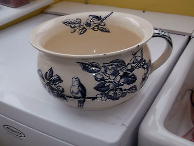1874 - 1890 George Jones Chamber Pot In Blue And Ivory Tom Tit Pattern