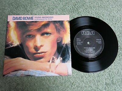 DAVID BOWIE Young Americans Ireland RCA 7-inch Lifetimes Solid centre BOW 506!