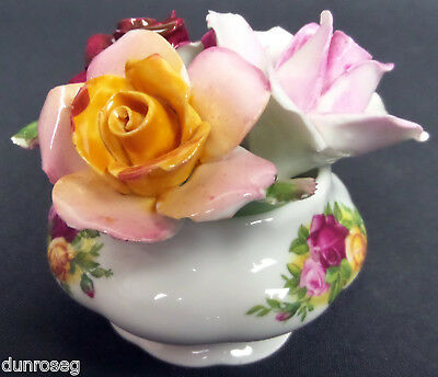 OLD COUNTRY ROSES FLORAL POT, 1st QUALITY, GC, 1993-2002, ENGLAND, ROYAL ALBERT