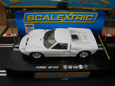 Brand New Boxed White Ford Gt40 Car With Working Lights C2473