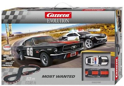 Carrera Evolution 25228 Most Wanted Police Chase: Scalextric Compatible Set