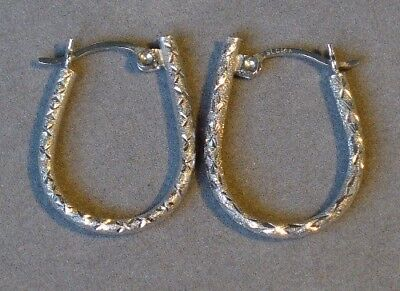 "Vintage 14K White Gold Classic Patterned Elongated ""u"" Shaped Hoop Earring L@@k!"