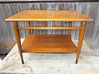 Vintage LANE End Table Style No. 900 05 Curved Shelf Acclaim