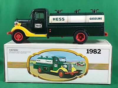 1982 Hess Gasoline Tanker Truck with Box Tested Working #24