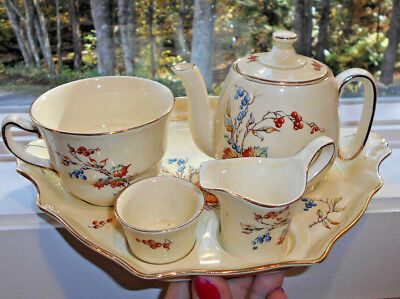 Royal Winton Breakfast Set Autumn Leaf Red & Blue Berries England Grimwades