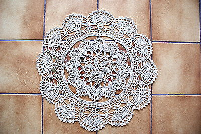 Napperon Au Crochet Realiser A La Main  Coloris  Beige  Diametre   34Cm