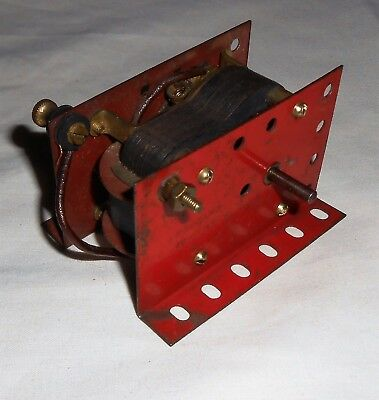 MECCANO VINTAGE 1930's E120 RED SHORT ELECTRIC MOTOR. - NON REVERSING NON RUNNER