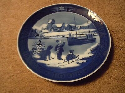 "Royal Copenhagen 1998 ""Welcome Home"" Porcelain Collectors Plate-Cobalt Blue"