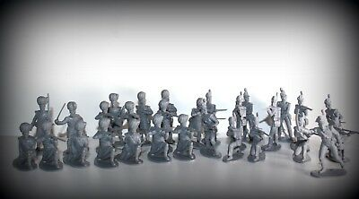 Airfix British and Scottish Waterloo infantry - 1/32 Scale 54mm  30 x Figures,