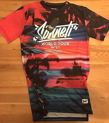 Sonneti Boys T-Shirt 13-15 Years World Tour Midnight Hype Brand New With Tags