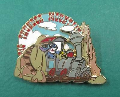 Disney Pin DLRP - Stitch Invasion Series - Big Thunder Mountain Railroad 3D LE
