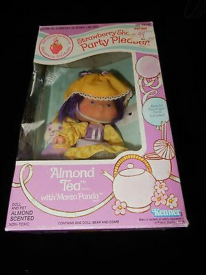 Vintage Strawberry Shortcake Party Pleaser Boxed Almond Tea With Marza Panda