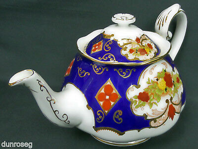 Heirloom Large Teapot, 10-11 Cups, Gen. Good Condition, England, Royal Albert