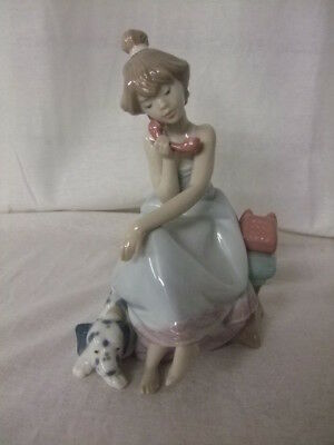 Lladro Figurine Chit Chat Girl on Phone with Seated Dog Companion No. 5466