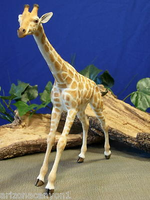 """Retired Country Artists - Giraffe - Freedom CA03372 Natural World New 13"""" TALL"""