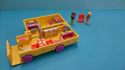 Polly Pocket. Classroom on the Go. 1996. With two people and easel.