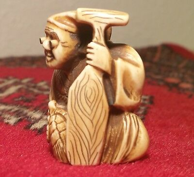 TURTLE SOUP TRICK! antique japanese netsuke carving vtg fishing oar art figure