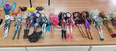 monster high 13 dolls bundle plus accessories