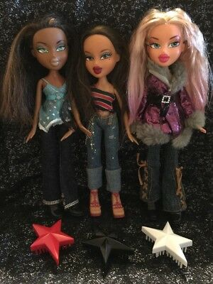Bratz Dolls X3 Bundle Cloe Sasha & Yasmin Clothes, Shoes & Hairbrush