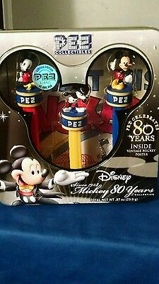 Mickey Mouse Per 80 Years Collector Set With Poster