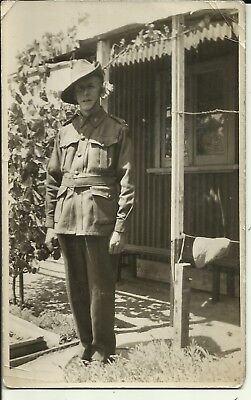 1 x WW1 era postcard of an Australian soldier (Named card)