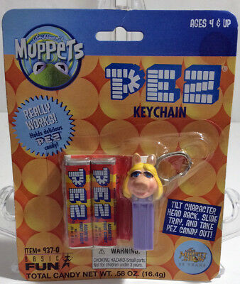 2001 Pez Keychain MISS PIGGY 937-0 Sealed on Card MUPPETS from Basic Fun