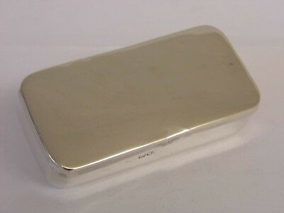 An Antique Edwardian Solid Sterling Silver Snuff Box - London - 1904