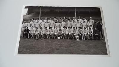 Manchester City Fc 1970-71 Squad League Cup & Cup Winners Cup Rare Press Photo