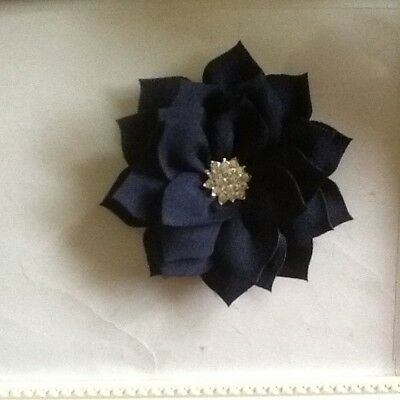 5 x75mm APROX IN NAVY WITH DIAMONTI FLOWERS ,NICE DECORATE ,BABY ,HAIRBANDS ETC