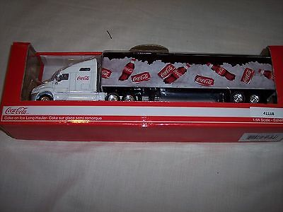 Motor City Classics Coca-Cola On Ice Long Hauler (1:64 Scale), White/Black/Red
