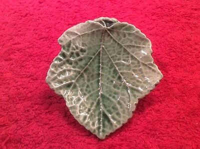 Antique Majolica Leaf Butter Pat c1800's, gm858  GIFT QUALITY!!