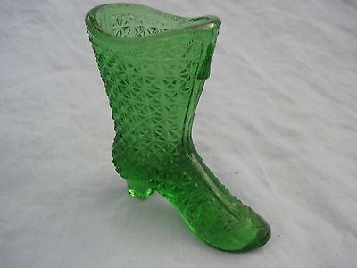 Beautiful Old GREEN VICTORIAN GLASS BOOT SHOE (A)