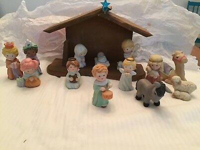 Avon Heavenly Blessings Nativity Set w/Stable all 13 Pieces
