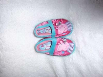 Girl's Youth PEPPA PIG Pink Slippers Slip on Fuzzy House Shoes NEW
