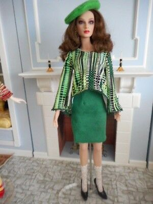 """Separates in Greens- Trapeze Top, Faux Suede Skirt, Beret. Socks for 16"""" dolls"""
