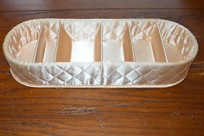 VINTAGE 1940s PEACH SATIN QUILTED HOSIERY KEEPER 6 COMPARTMENTS EXCELLENT