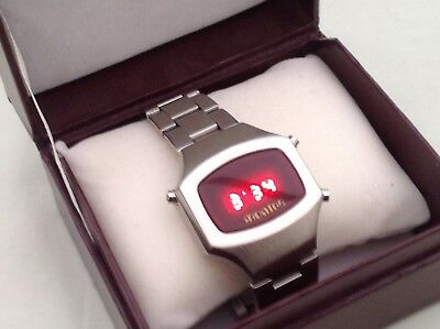 LED RETRO WATCH. Mint And Fully Working.