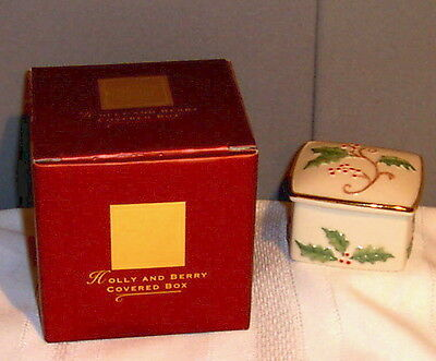 LENOX Holly and Berry Covered Porcelain China Trinket Box