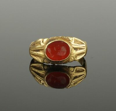 ANCIENT ROMAN GOLD INTAGLIO RING - 2nd Century AD
