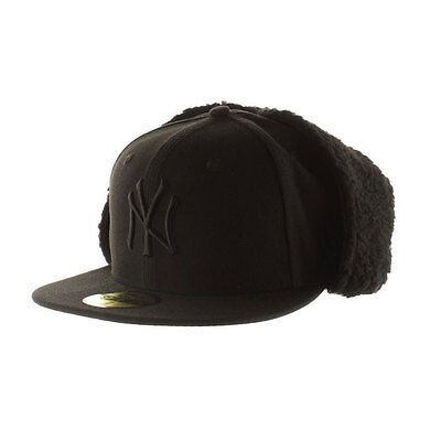 New York Yankees MLB Black on Black 59FIFTY [5950] Dog Ear Fitted Cap