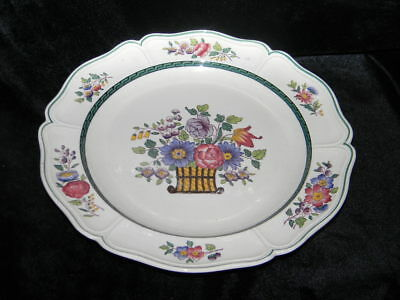 Wedgewood - Floral (Scallop Pattern) 10 Inch Dinner Plate - Circa 1950
