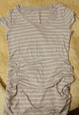 liz lange maternity top soze XS in striped lilac color new