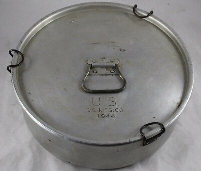 WW II US S.S. MFG CO Military Issued 1944 Mess Pot Cooking Kettle w/ Clamps Lid